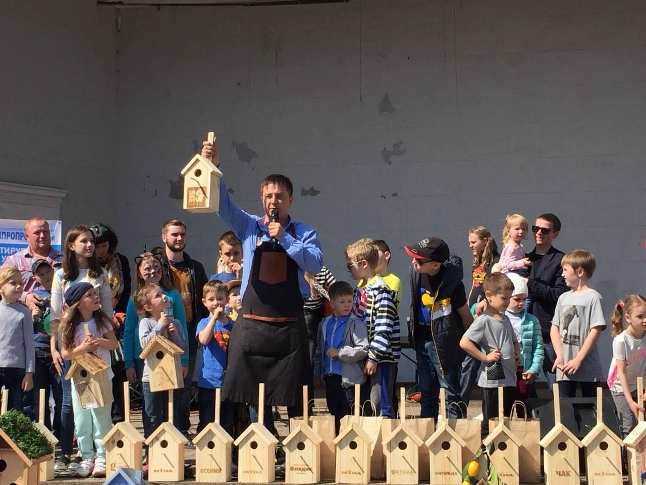 Десятки новых домиков для птиц: в Запорожье прошел городской фестиваль скворечников - ФОТО