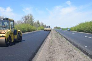 В Запорожской области турецкие подрядчики продолжают ремонт трассы на Днепр - ФОТО