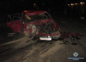 В Запорожской области легковушка врезалась в грузовик: есть погибшие - ФОТО