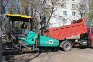 В Запорожье начались ремонты внутриквартальных дорог - ФОТО