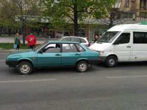 В Запорожье на проспекте произошло очередное ДТП с маршруткой - ФОТО