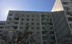 В Запорожской области около многоэтажки нашли труп молодого мужчины - ФОТО