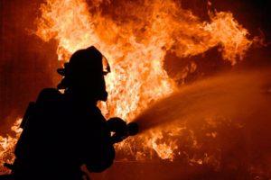 В Запорожской области ночью горела надворная постройка