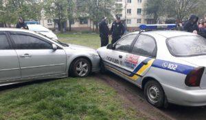 В Запорожье полицейские гнались за пьяным водителем, сбившим троих женщин - ФОТО, ВИДЕО