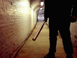 Двое жителей Запорожья избили и ограбили мужчину