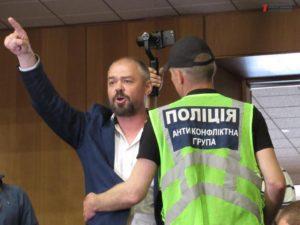 На сессии Запорожского областного совета Олешку снова не дали слово, а в ответ он обозвал депутатов «негодяями» -  ВИДЕО
