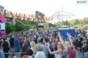 Живая музыка, развлечения и уличная еда: как запорожцы провели второй день джазового фестиваля - ФОТО, ВИДЕО
