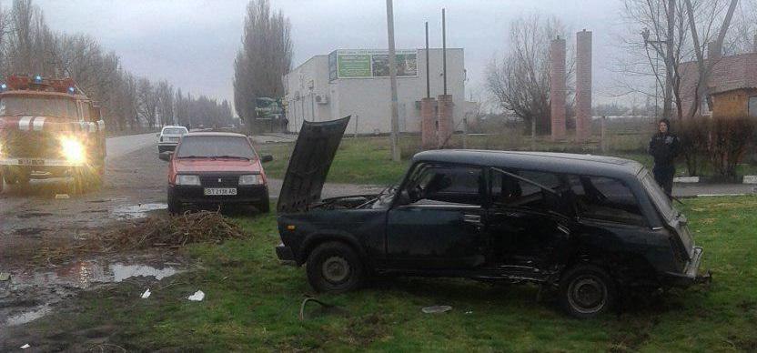 ДТП в Запорожской области: четырех человек зажало в искореженном авто — ФОТО