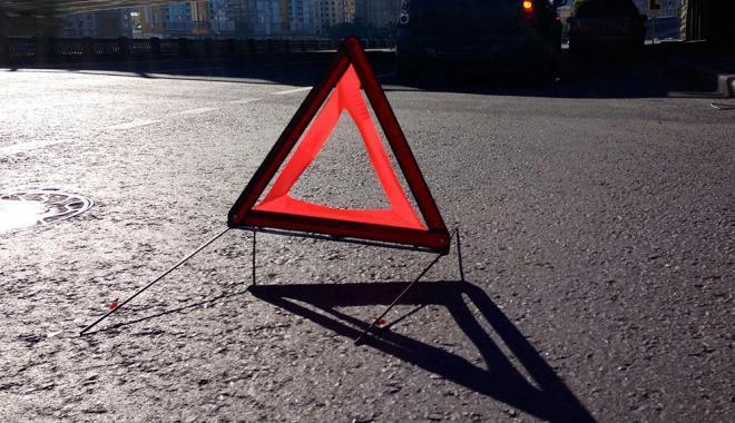 В Запорожье на Набережной столкнулись два автомобиля - ФОТО
