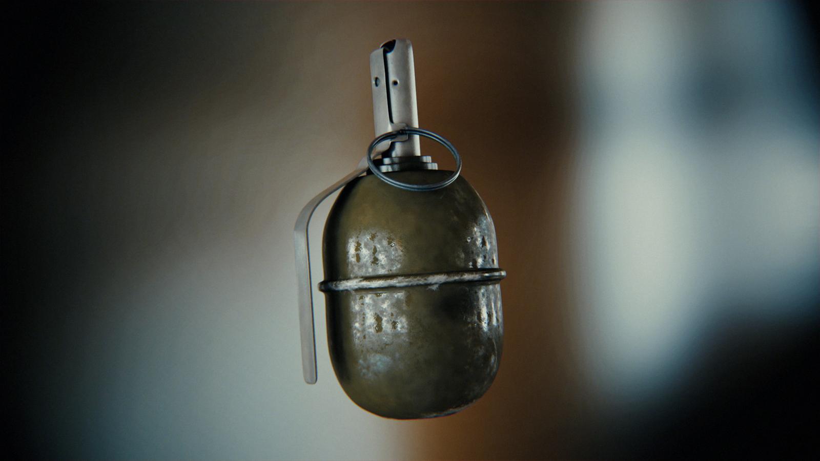 В Запорожье на автовокзале задержали вооруженного военного - ФОТО