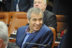 Владимир Кальцев купил новый дом за 2,5 миллиона гривен, элитный автомобиль жене, три земельных участка и отдал в долг 4 миллиона гривен