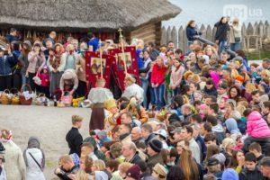 Ярмарка, концерт и детская мастерская: запорожцев приглашают провести Пасху на Хортице