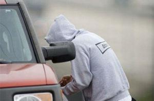 В центре Запорожья патрульные задержали «на горячем» автовора – ФОТО