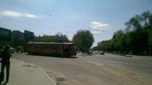 В центре Запорожья легковушка врезалась в трамвай и скрылась с места ДТП - ФОТО