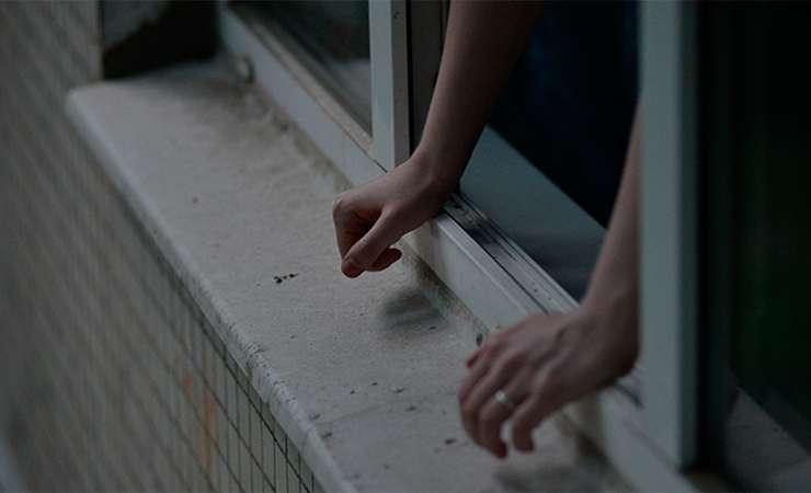 Шаг впустоту: под Запорожьем изокна прыгнул 21-летний парень