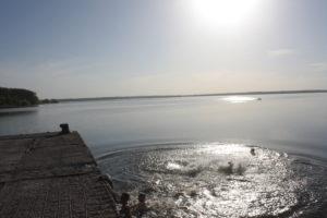 В Запорожской области перевернулась лодка, в которой находились 12 человек - ФОТО