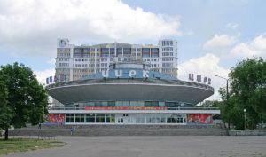 В Запорожье маленький мальчик сбежал от родителей в цирк - ФОТО