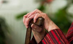 В Запорожье пенсионерка умерла после падения в бассейн для питьевой воды