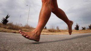 В Запорожье на Набережной пробежался голый мужчина - ВИДЕО (18+)