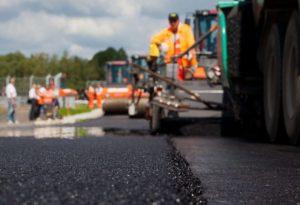 В Запорожской области ремонтируют дорогу к морю