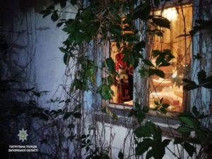 Житель Запорожья, вернувшись домой, застал там двух грабителей - ФОТО