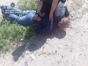 Житель Запорожья задержал вора, укравшего телефон у 17-летнего парня - ФОТО