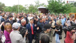 В Запорожье главный радикал Ляшко посетил праздничный концерт в парке Победы - ФОТО