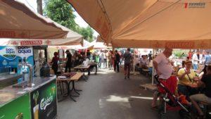 Свежие морепродукты, одежда и продукты питания: как в Запорожье проходит уличный фестиваль в морском стиле - ФОТО, ВИДЕО