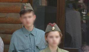 В Запорожье детей из воскресной школы на День Победы нарядили в армейские пилотки с запрещенной символикой - ФОТО