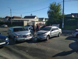 В Запорожье произошло тройное ДТП - ФОТО