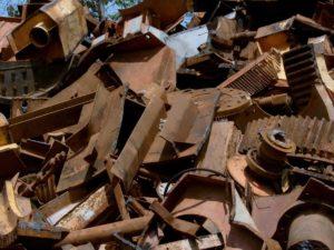 В Запорожье накрыли ряд незаконных металлоприемок: полицейские изъяли более 30 тонн лома - ФОТО