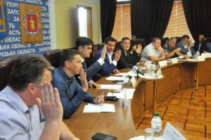 В Запорожском областном совете намерены вдвое увеличить сметную зарплату в строительстве