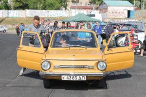 В Запорожье установили новый рекорд по пассажировместимости «Запорожца» - ФОТО, ВИДЕО