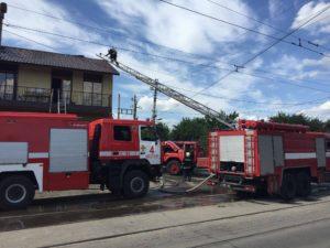 В Запорожье огнем охватило популярный ресторанный комплекс «Наири» - ФОТО