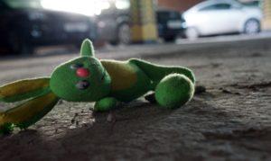 В Запорожье иномарка сбила женщину с ребенком: девочка скончалась на месте - ФОТО, ВИДЕО