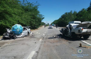ДТП на запорожской трассе: трое погибших, женщина с ребенком в больнице - ФОТО