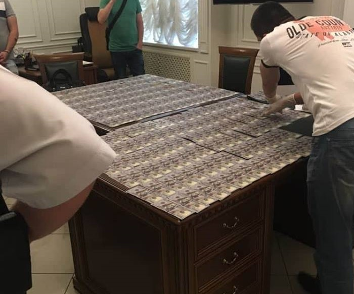 В Запорожье адвокат требовал от судьи 35 тысяч долларов за сокрытие правонарушения – ФОТО