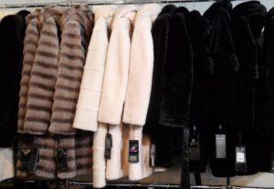 Ограбление магазина: в Запорожской области воры «утеплились» на 300 тысяч гривен - ФОТО