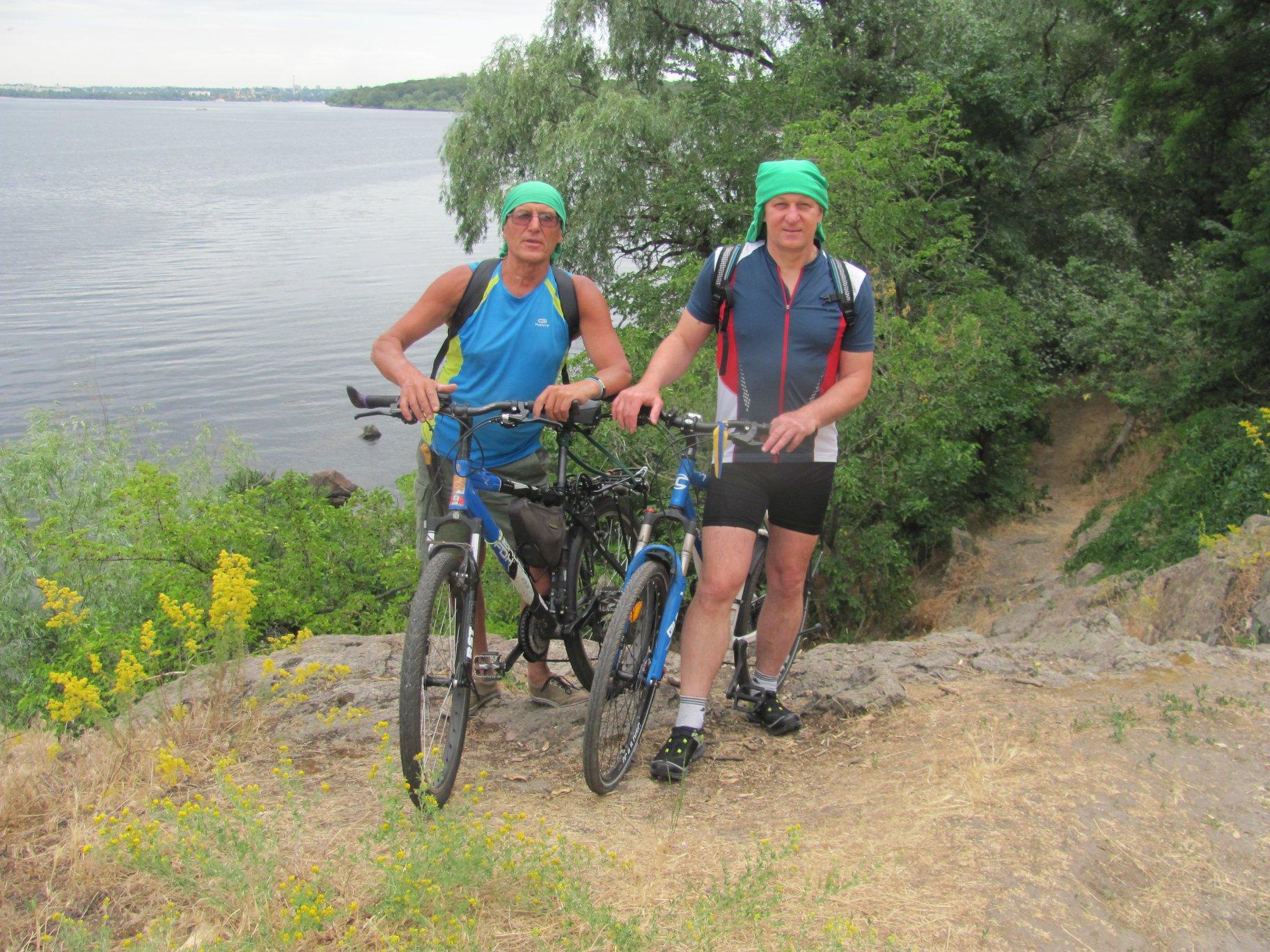 Запорожские путешественники отправились на велосипедах в экспедицию по Скандинавии - ФОТО