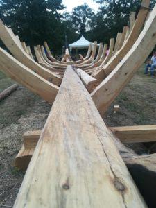В Запорожье по старинным чертежам строят легендарную казацкую лодку - ФОТО, ВИДЕО