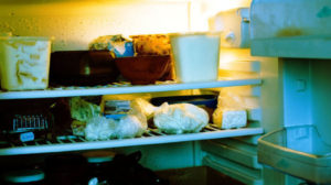 Почти сотня запорожцев за неделю обратилась в больницы с пищевым отравлением