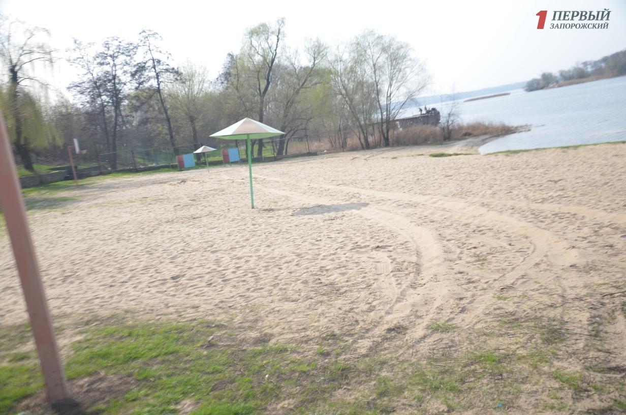 В Запорожье на городских пляжах обнаружили кишечную палочку и отклонения в санитарно-химических показателях воды