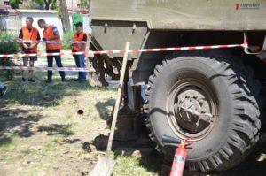 В Запорожье общественники собрались в парке Яланского, чтобы препятствовать строительным работам – ВИДЕО