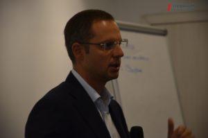 Гендиректор «Запорожстали» рассказал молодым предпринимателям и студентам, как построить бизнес