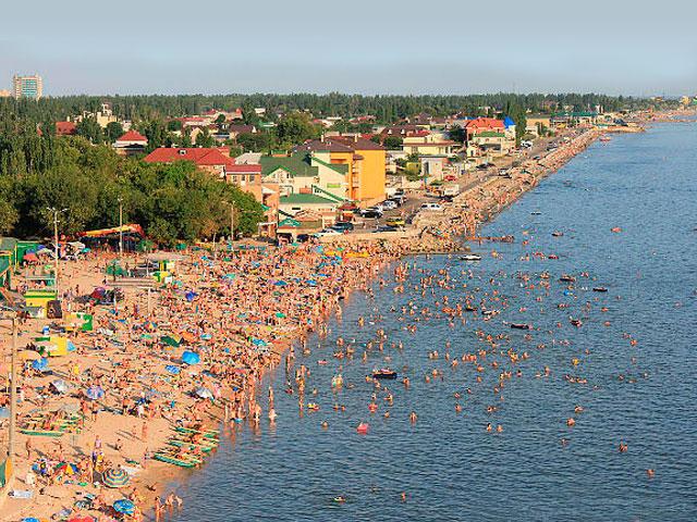 На пляже популярного запорожского курорта скончалась женщина