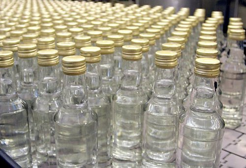 В Запорожской области ликвидировали подпольный цех по производству алкогольного фальсификата - ФОТО, ВИДЕО