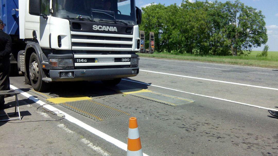 13,5 тысячи евро штрафа: в Запорожской области остановили перегруженный грузовик - ФОТО