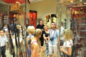 Чиновники из столицы устроили познавательный экскурсионный тур по самым интересным местам Запорожья