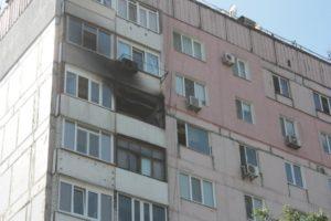 В Запорожье 23 спасателя тушили пожар в 10-этажном доме - ФОТО