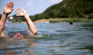 На одном из курортов Запорожской области едва не утонул мужчина